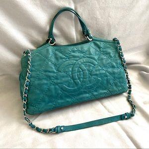 💕 Vintage CHANEL turquoise crossbody shoulder bag